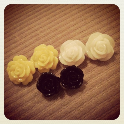 claire's the icing resin flower studs